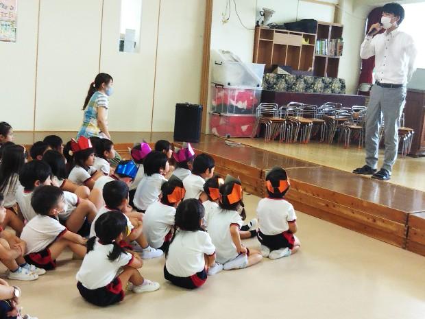▲セミの鳴き声当てゲームと、生命のお話(ナザレ幼稚園:横浜市青葉区)
